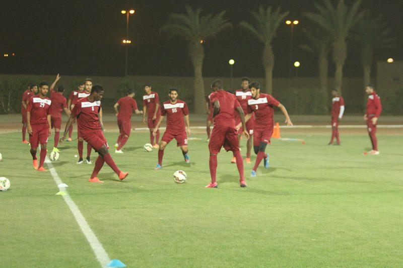 """الفريق الأول لكرة القدم يجري مرانه الرئيسي أستعداداً لملاقاة """" النصر """" وتواصل بيع التذاكر ( تقرير مصور )"""
