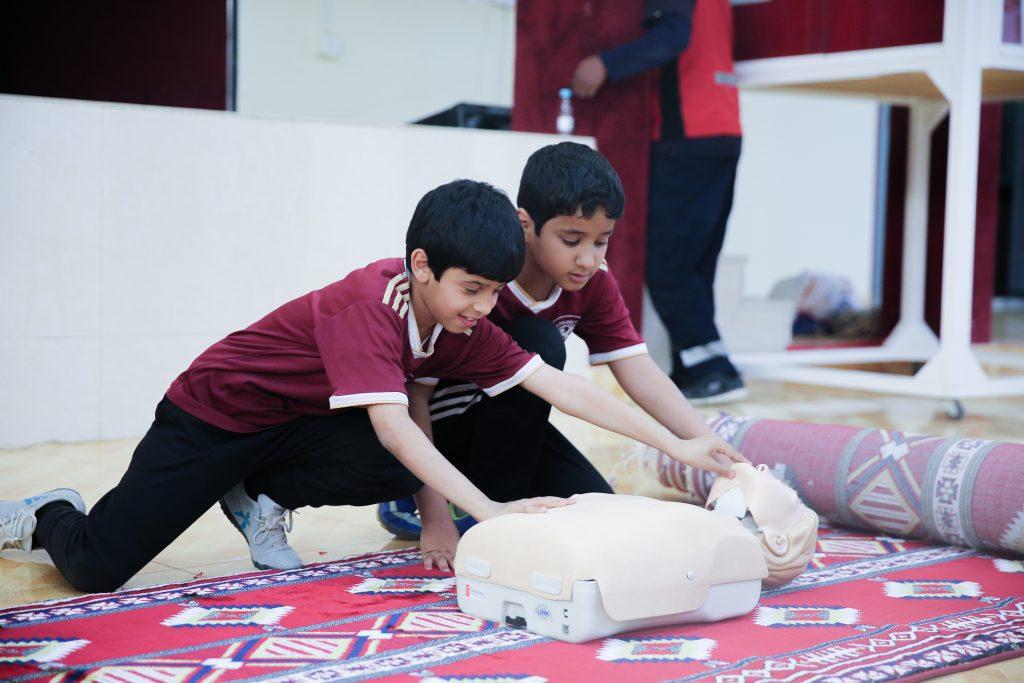 """برنامج """" قدرات """" يقيم دورة في الاسعافات الاولية وطرق التعامل مع الاصابات الرياضية ."""