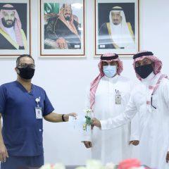 """الرئيس التنفيذي يزور مستشفى الملك خالد بمحافظة المجمعة تفعيلاً لمبادرة """" شكراً ابطال الصحة """"  الفيصلي"""