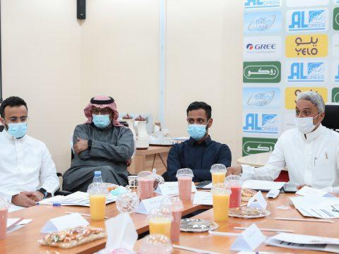 الرئيس التنفيذي يعقد اجتماعاً بالاجهزة الإدارية والفنية في الالعاب المختلفة