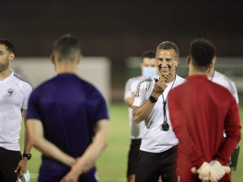 الفريق الاول لكرة القدم يفتتح تحضيراته لمواجهة نصف النهائي