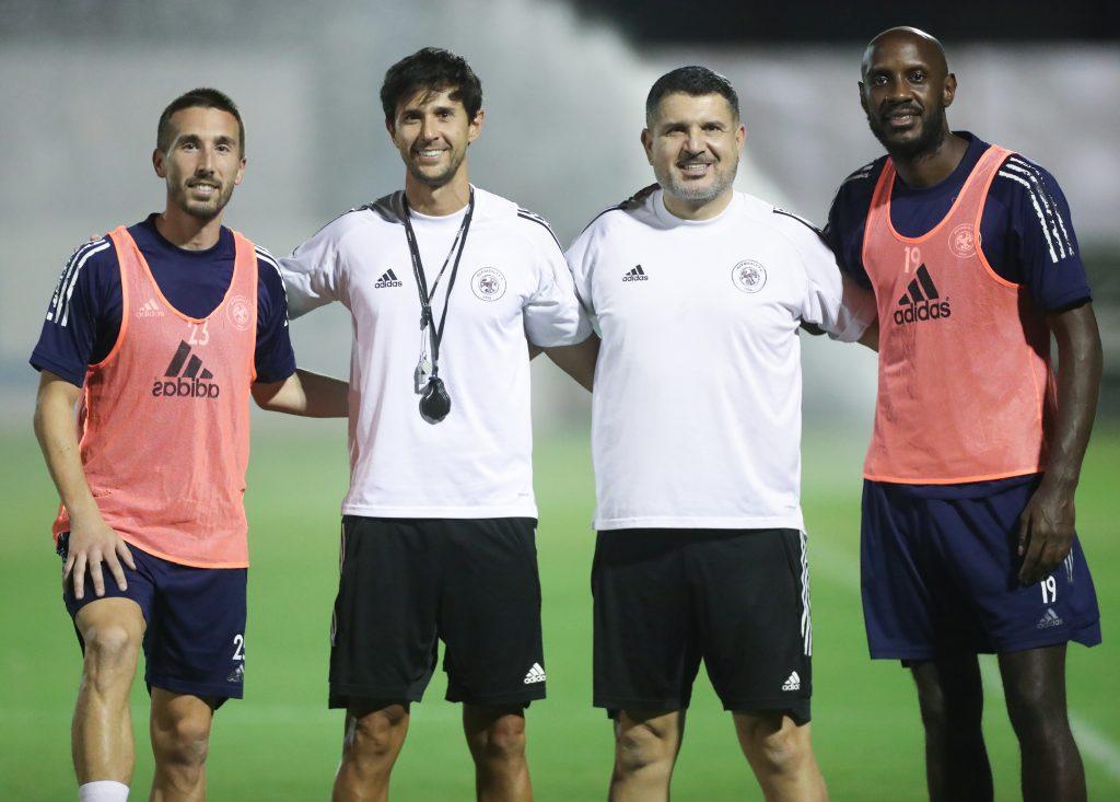 الفريق الاول لكرة القدم يواصل تدريباته على ملعب النادي  #الفيصلي
