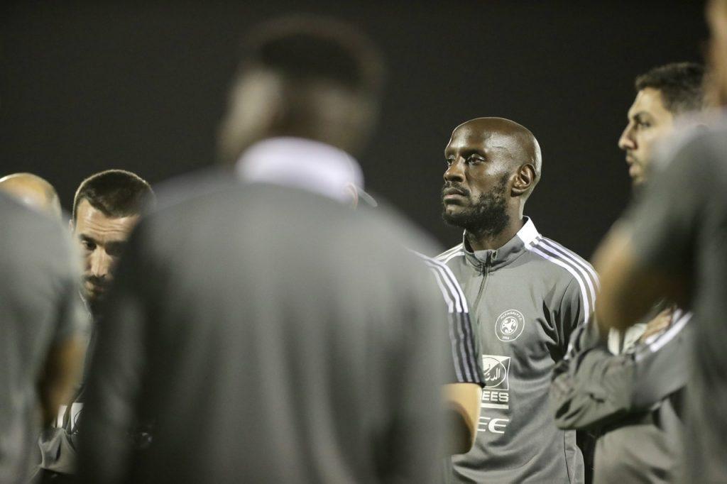 الفريق الاول لكرة القدم يعاود تدريباته على ملعب النادي